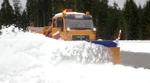 Zimowe utrzymanie dróg . Kto będzie odśnieżał gminne drogi ?